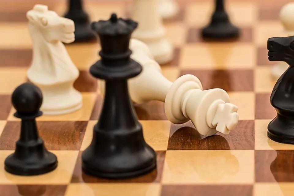 Corsi e lezioni di scacchi online gratis su YouTube